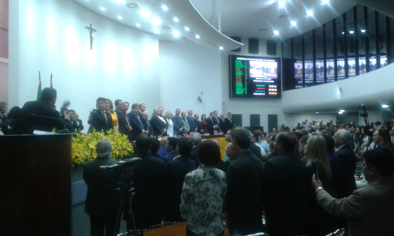 Posse do governo do Tocantins com um toque de fé